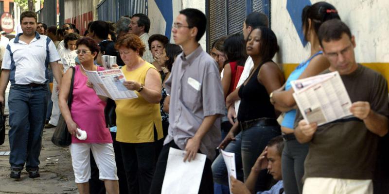 Photo of Taxa de desemprego fica em 12% no trimestre até junho, afirma IBGE
