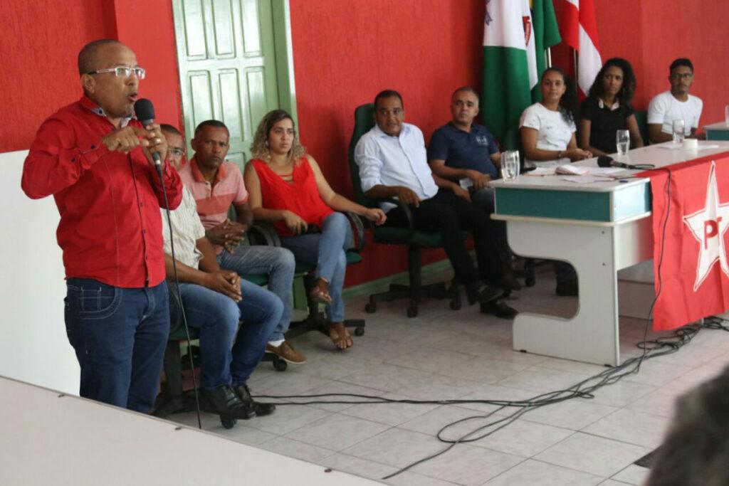 Photo of PT trabalha para eleger Lula e Rui em 2018, diz Suíca em atividade na Chapada Diamantina