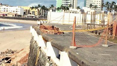 Moradores cobram providências da Prefeitura, após desabamento na Orla da Pituba.