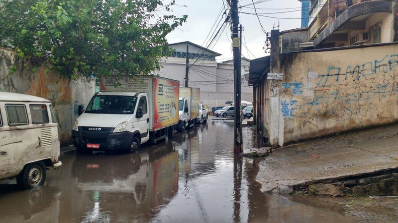 Photo of Moradores e Comerciantes reclamam das enchentes na Chapada do Rio Vermelho