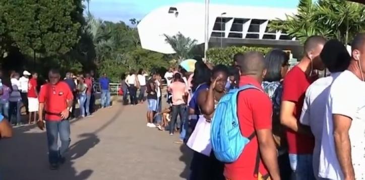 Photo of Primeiro dia de regularização de títulos cancelados tem fila na sede do TRE de Salvador