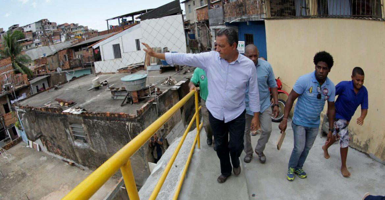 Rui entrega obra de contenção de encosta que beneficia 4,7 mil moradores da Boa Vista do São Caetano