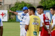 Photo of Sem feriado: Bahia treina duro no Fazendão