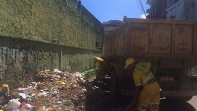 Prefeitura realiza limpeza de entulho no bairro da Santa Cruz