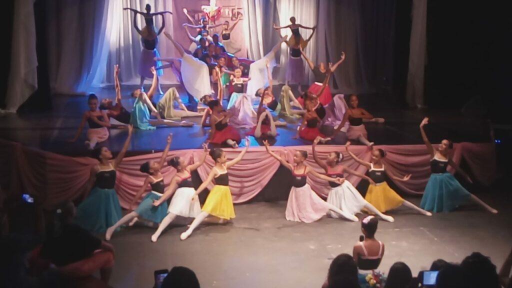 Photo of BALLET Daniela Novais encanta o público com mostra 'CLASS INCONCERT'