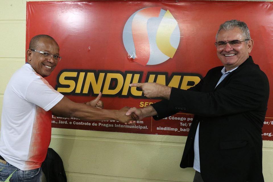 Photo of Pré candidato a senador Ângelo Coronel visita sede do Sindilimp-Ba