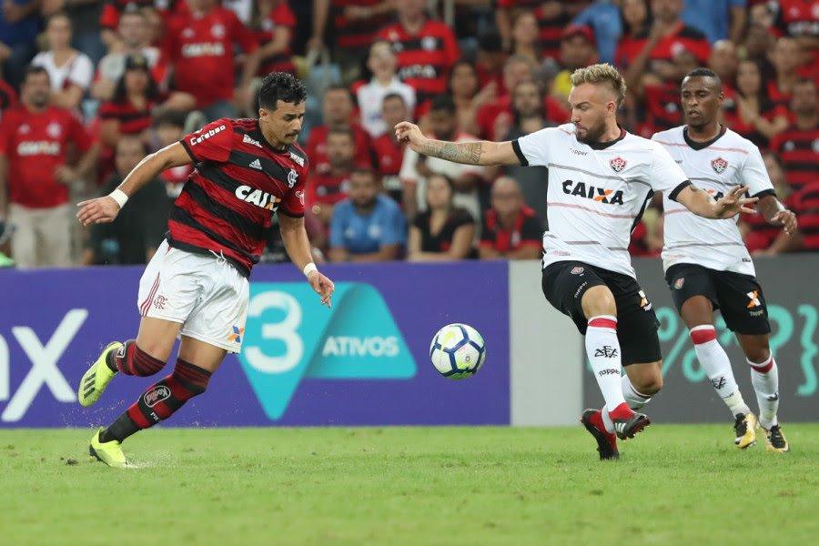 Photo of Vitória perde para o Flamengo e segue no Z-4 do Brasileirão