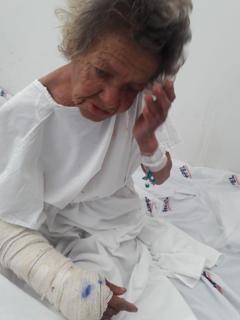 Photo of Moradores do Nordeste de Amaralina procura familiares de idosa abandonada no hospital de Cajazeiras