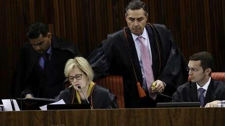 Photo of Tribunal Superior Eleitoral decide barrar candidatura de Lula