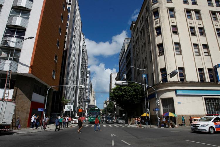 Photo of Obras alteram tráfego e pontos de ônibus no Comércio a partir deste sábado (15)