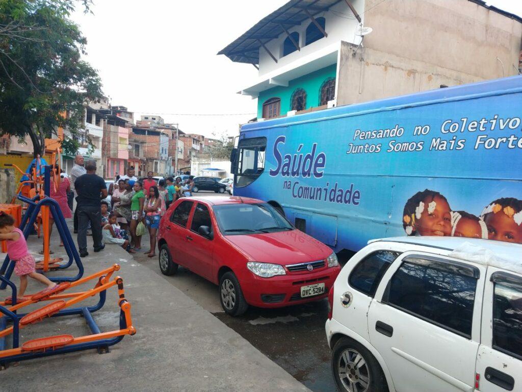 Photo of Ônibus da Saúde atende mais 300 pessoas no Bairro da Santa Cruz