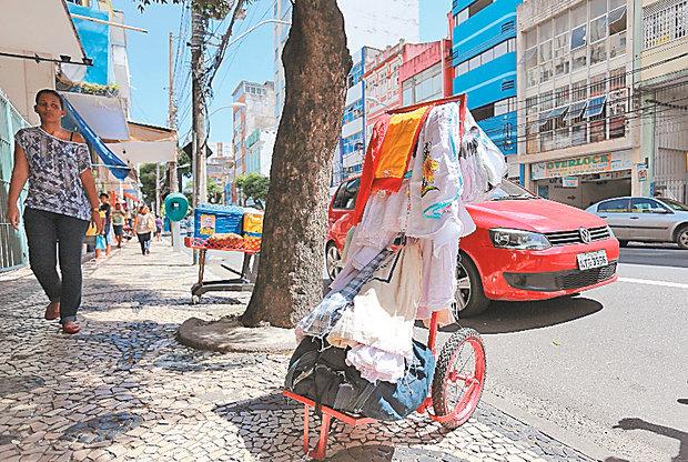 Photo of Prefeitura vai assinar compromisso com ambulantes para requalificação da Av. Sete