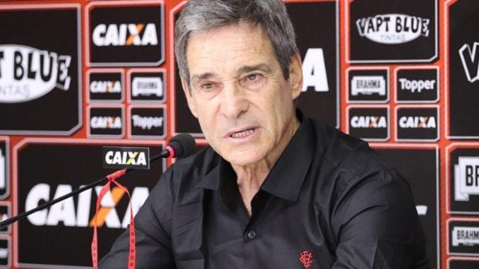 """Photo of Carpegiani celebra triunfo e elogia o Vitória: """"resultado justo"""""""