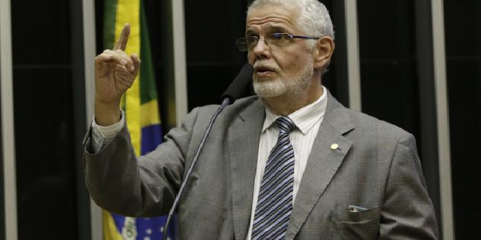 Photo of Deputado Jorge Solla entra com representação na PGR contra Jair Bolsonaro