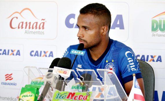 Photo of CASA CHEIA: Élber prevê jogo duro contra o Paraná em Pituaçu