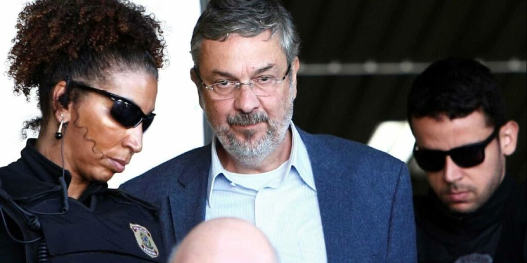 Photo of Antônio Palocci fecha novo acordo de delação com a Polícia Federal