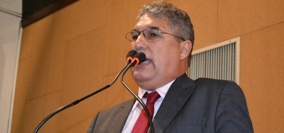 Photo of PRESIDÊNCIA DA ALBA: Deputado Rosemberg Pinto desiste da corrida pela presidência da AL-BA
