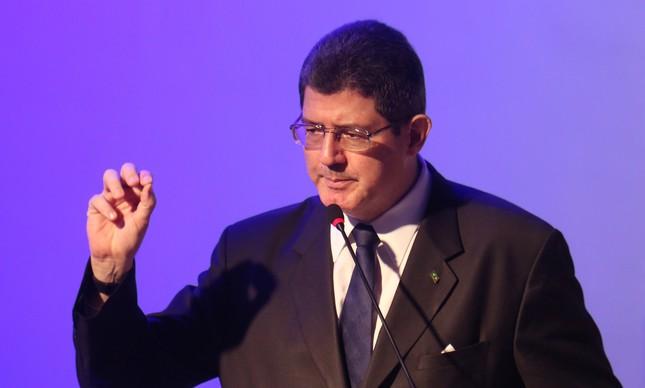 Photo of BIZARRO? Convidado para governo Bolsonaro já trabalhou com Lula, Dilma e Cabral