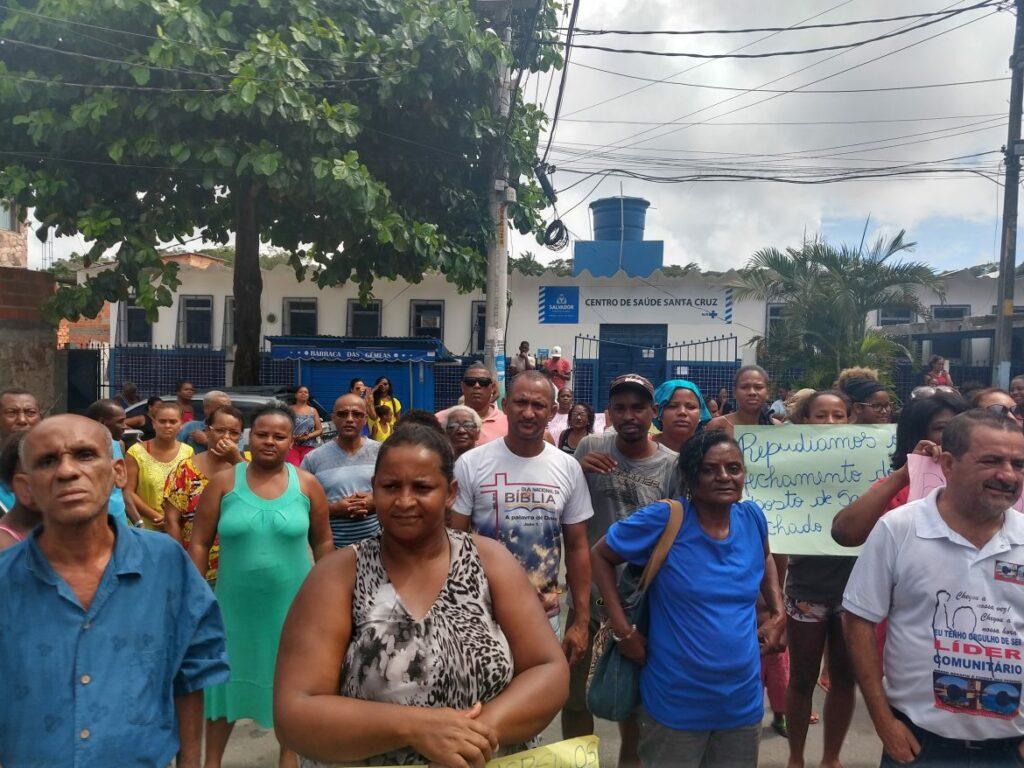 Photo of Moradores da Santa Cruz fazem protesto contra fechamento do Posto de Saúde