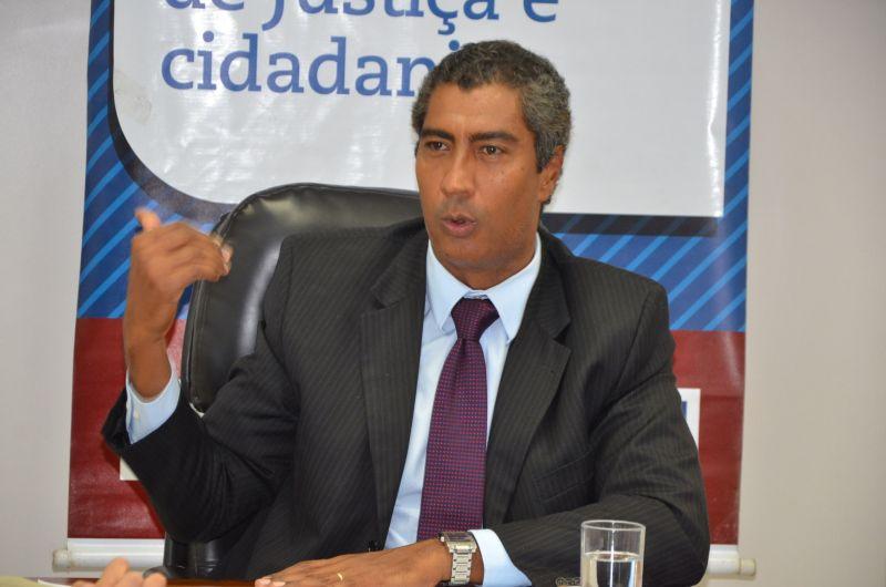 Photo of Justiça condena promotor Almiro Sena a quatro anos de prisão por assédio sexual