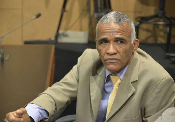 Photo of Faltando uma semana para fim de mandato, Pastor Sargento Isidório renuncia da ALBA