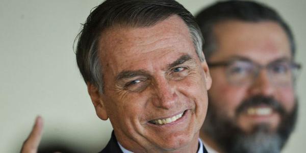 """Photo of Bolsonaro comenta divulgação de contratos do BNDES: """"Ainda vamos bem mais a fundo!"""""""