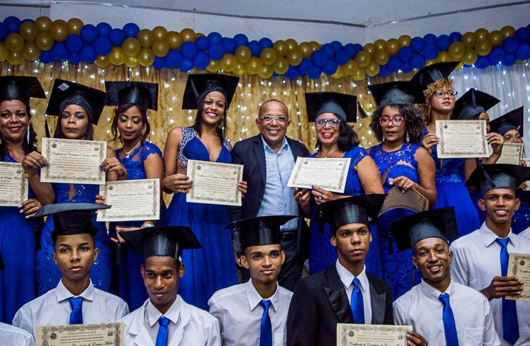 Photo of Vereador Suíca defende a educação como transformadora do social durante formatura em Pernambués