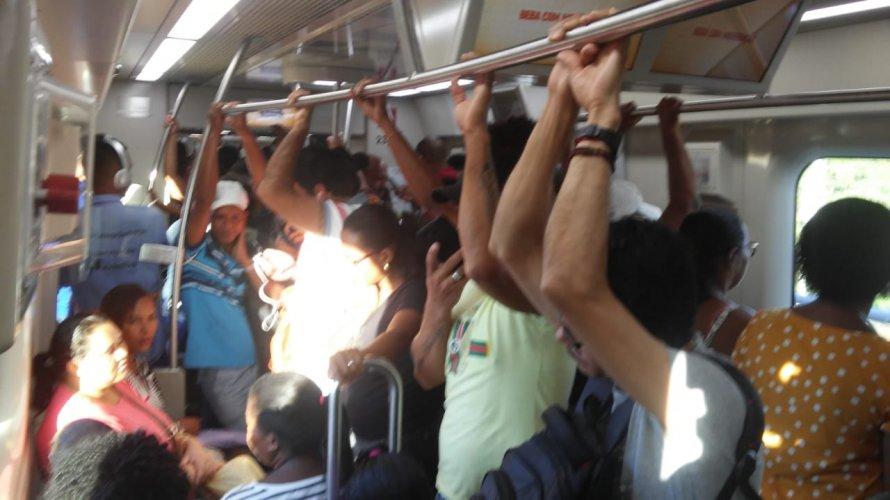 Photo of Falha técnica faz metrô de Salvador diminuir velocidade e estações ficam lotadas nesta quinta-feira;