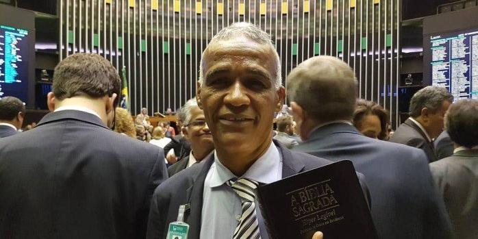Photo of Isidório é o primeiro deputado a protocolar um projeto na Câmara, diz jornal