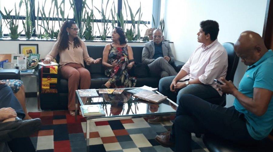Photo of Vereadores de oposição visita a SEPROMI para discutir o carnaval de Salvador
