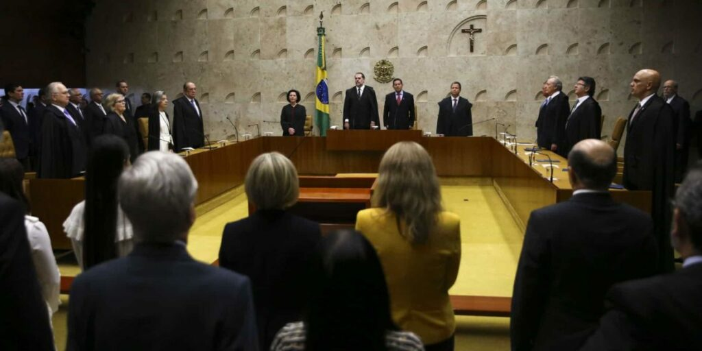 Photo of POLÊMICA! Ministros do Supremo defendem equiparar homofobia a racismo