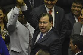 Photo of Rodrigo Maia é eleito em primeiro turno como presidente da Câmara de Deputados