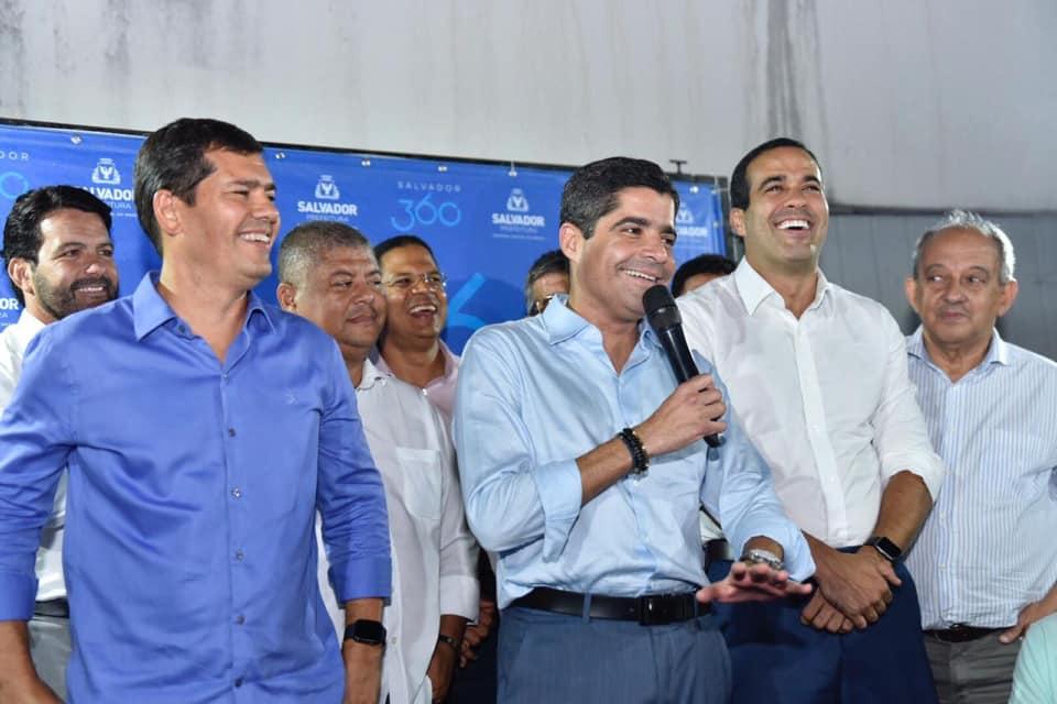 Photo of Prefeitura irá cobrir a quadra poliesportiva do Colégio Teodoro Sampaio, garante Neto