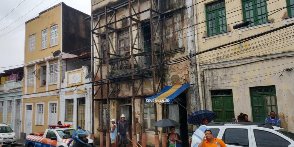 Photo of QUE PERIGO! Defesa Civil aponta que 90% de casarões antigos correm algum risco de desabar; maioria tem moradores