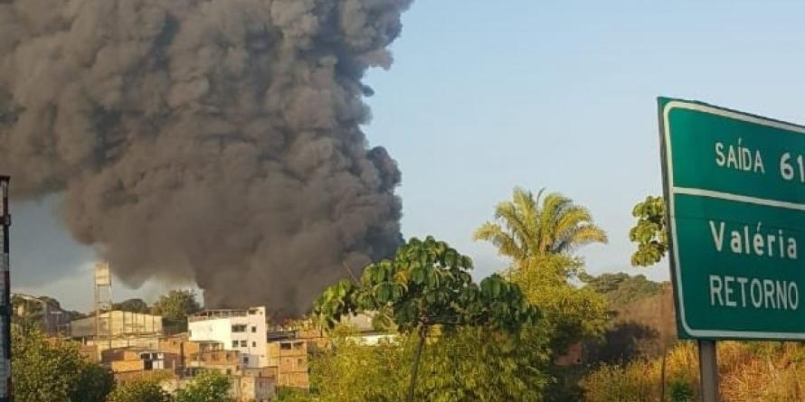 Photo of URGENTE! Fábrica de colchões pega fogo no bairro de Valéria na manhã desta terça (19)
