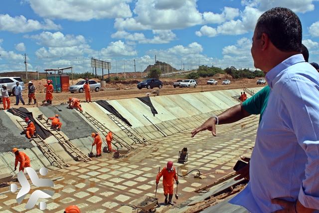 Photo of Rui visita obras de macrodrenagem do Rio Jaguaribe em Salvador; fotos