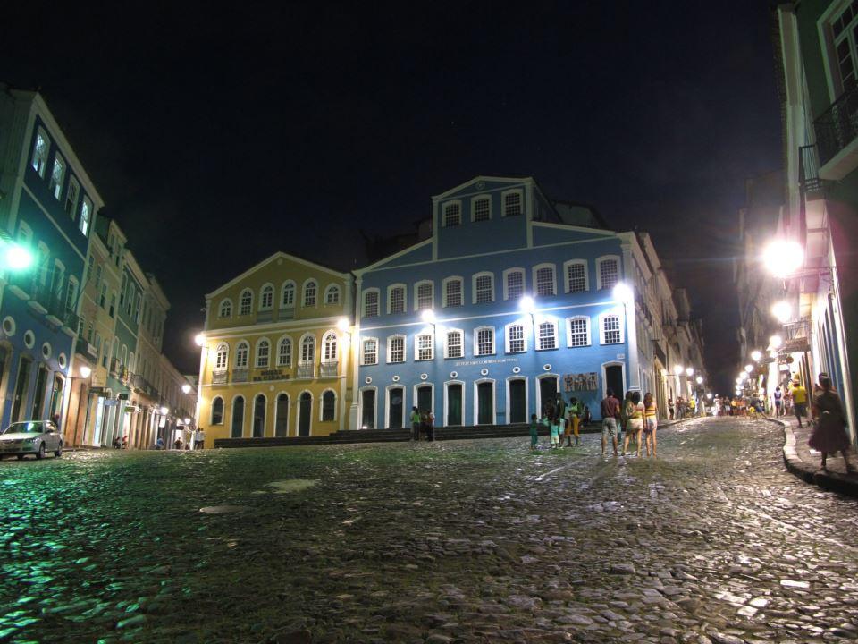 Photo of Prefeitura de Salvador prorroga contratos de iluminação pública; valores chegam a quase R$ 27 milhões
