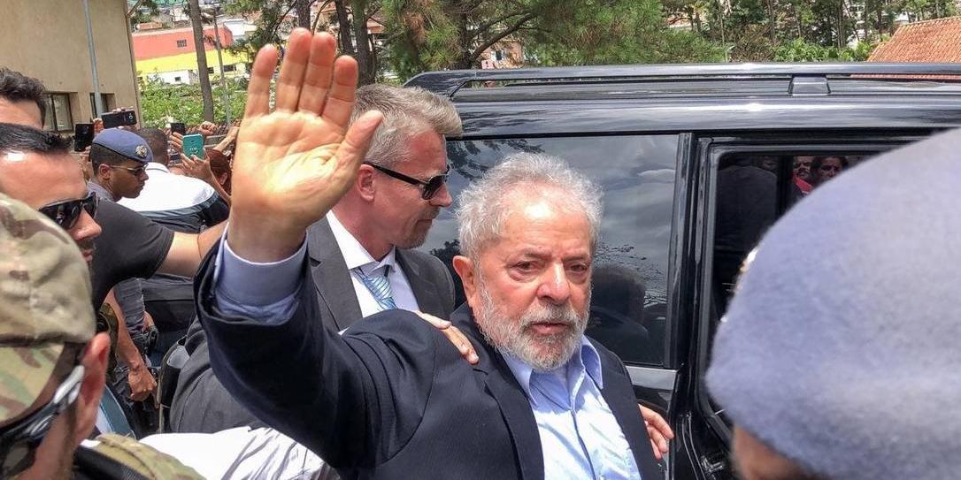Photo of Após STJ reduzir pena no caso tríplex, Lula poderá deixar a prisão em setembro