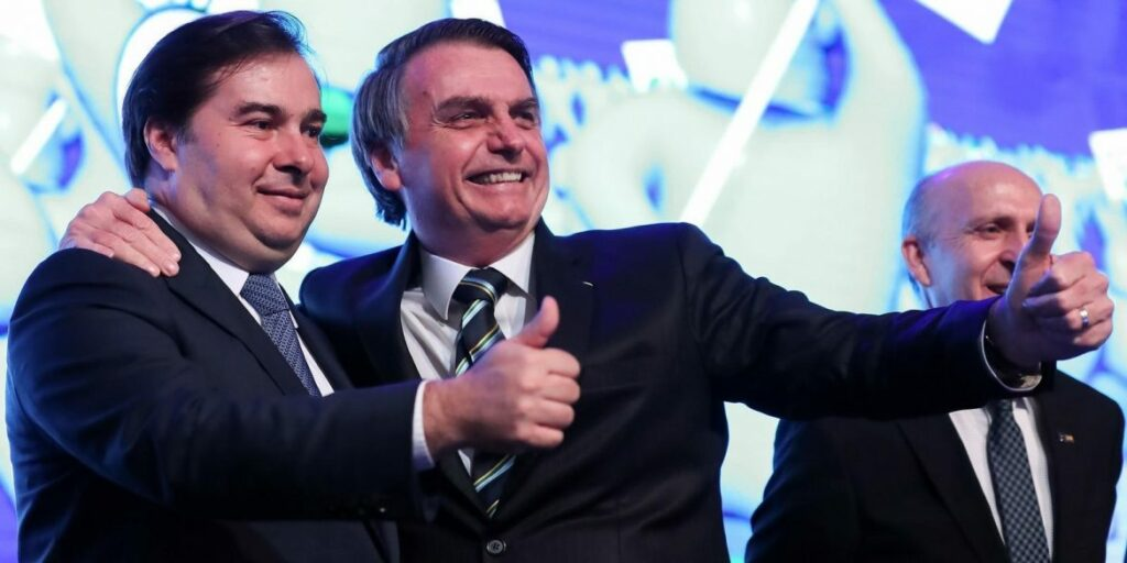 Photo of Bolsonaro e Rodrigo Maia acertam comunicação direta, sem interlocutores