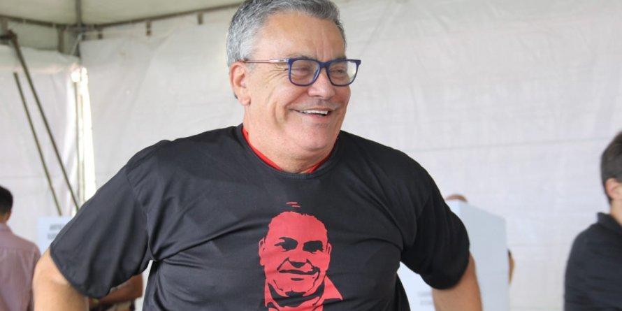 Photo of ELE ESTÁ DE VOLTA! Paulo Carneiro é eleito o novo presidente do Vitória