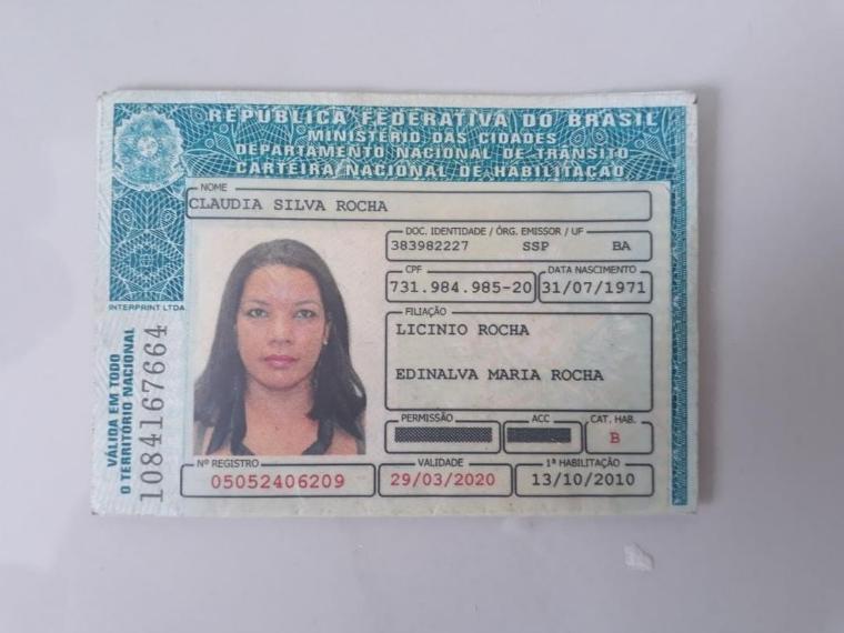 Photo of Morador encontra Carteira de Habilitação de Cláudia Silva Rocha perdida próximo ao final de linha do Nordeste