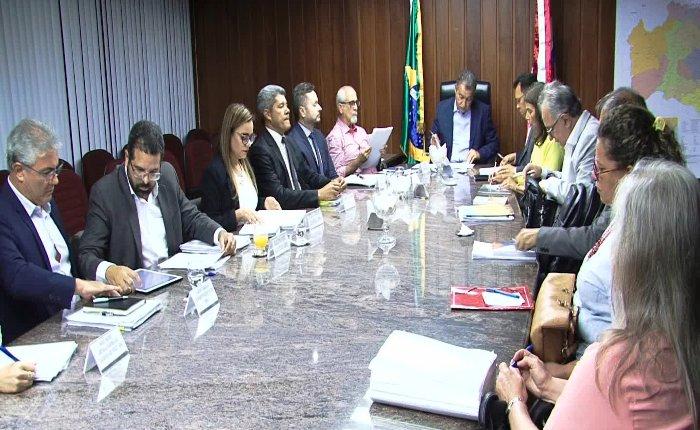 Photo of Após reunião com reitores, Rui libera R$ 36 milhões para investimento em universidades