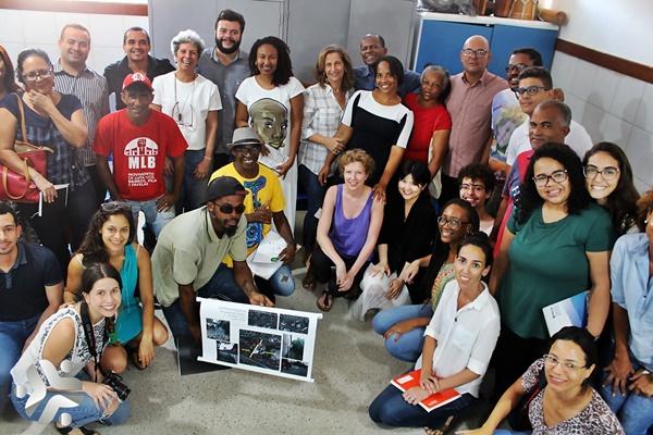Photo of Ufba em parceria com estudantes da Universidade Bartlett SCHOOL de Londres promove roda de diálogo no bairro da Santa Cruz