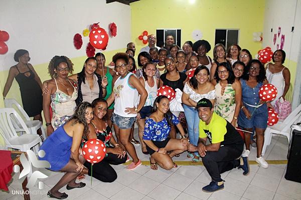 Photo of Grupo de Mulheres de Dança da Zumba promove festa em homenagem ao dia das Mães; fotos