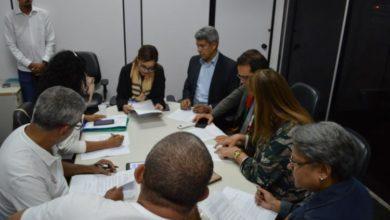 Photo of Por fim da greve, Estado, universidades e Alba assinam termo de compromisso