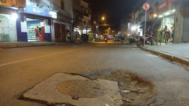 Photo of Moradores e motoristas reclamam de buraco na rua Onze de Novembro em Santa Cruz