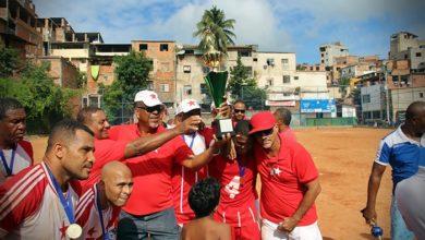 Photo of Estrela Vermelha é bicampeão do Campeonato de Veteranos 2019 – Nordeste de Amaralina