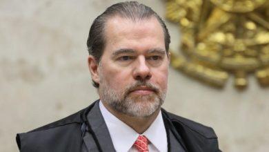 Photo of Dias Toffoli suspende investigações sobre movimentações financeiras de Flávio Bolsonaro; confira
