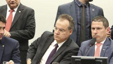 Photo of Comissão Especial aprova texto base de reforma da Previdência; parlamentares ainda votam destaques