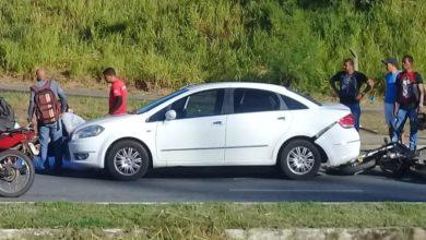 Photo of Batida entre carro e moto deixa feridos em Águas Claras